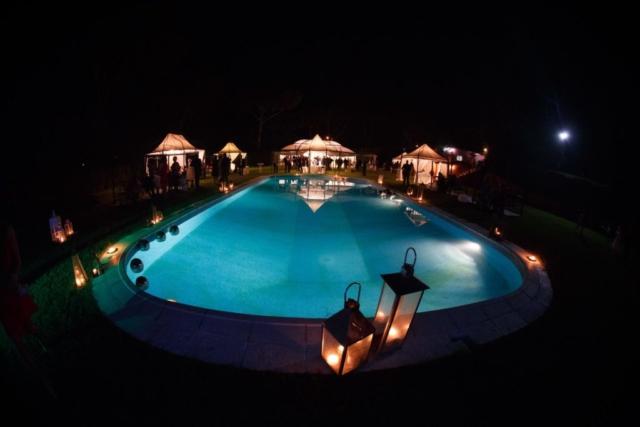quando la notte scende la nostra piscina si illumina