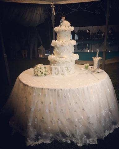 La wedding cake da noi è personalizzata ed in stile con l'evento